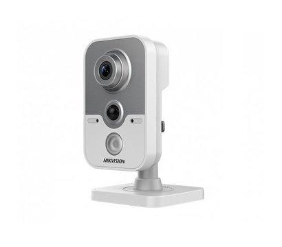 Фото видеокамеры HikVision DS-2CE38D8T-PIR (2.8 мм)