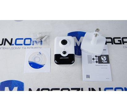 Фото №1 IP видеокамеры HikVision DS-2CD2423G0-I (2.8 мм)