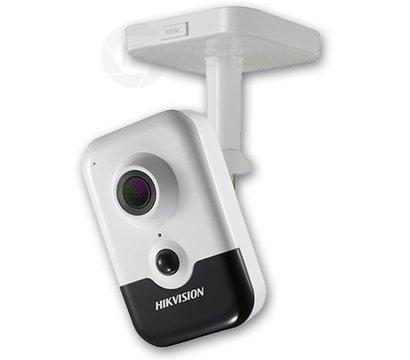 Фото IP видеокамеры HikVision DS-2CD2423G0-I (2.8 мм)