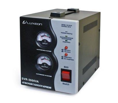 Фото стабилизатора напряжения Luxeon SVR-2000VA
